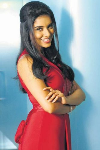 Asin Thottumkal Bra Size, wiki, Hot Images