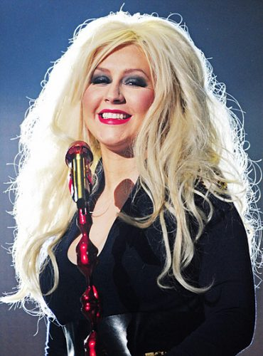 christina aguilera measurements height weight bra size age