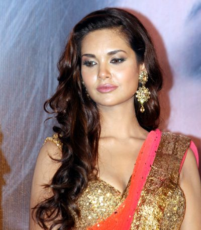 Esha Gupta Measurements, Height, Weight, Bra Size, Age, Wiki