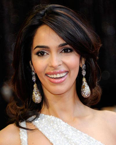 Mallika Sherawat Measurements, Height, Weight, Bra Size, Age-1768