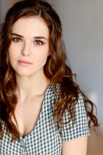 Zoey Deutch Measurements, Height, Weight, Bra Size, Age, Wiki
