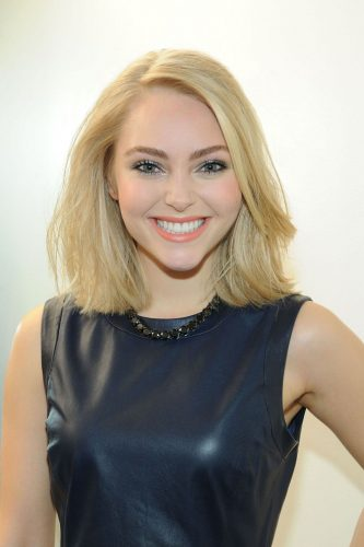 Old Woman Face AnnaSophia Robb Hot Pi...
