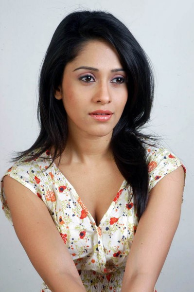 Nushrat Bharucha Measurements, Height, Weight, Bra Size, Age, Wiki
