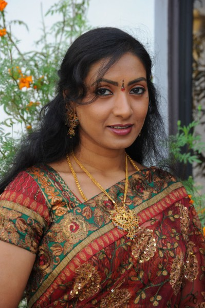 Aamani Bra Size, Wiki, Hot Images