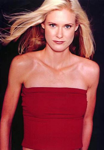 Amy Acuff Measurements, Height, Weight, Bra Size, Age-8436