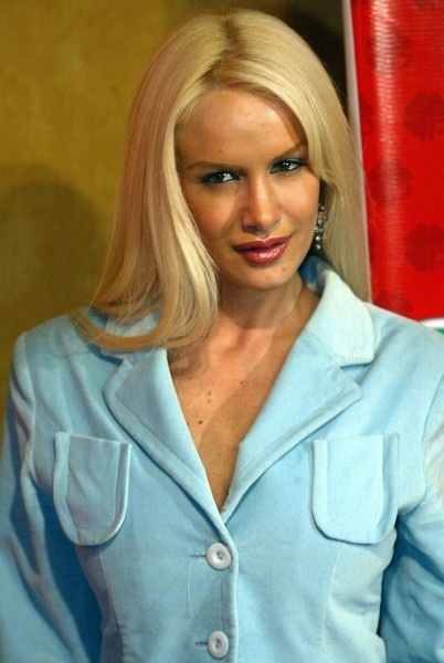Luciana Salazar Measurements, Height, Weight, Bra Size, Age, Wiki