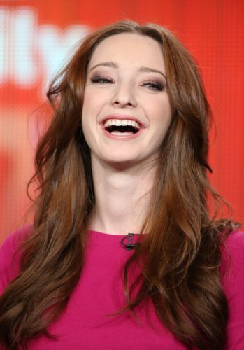Emma Dumont Measurements, Height, Weight, Bra Size, Age, Wiki