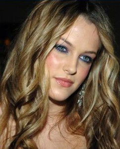 Riley Keough Upcoming films,Birthday date,Affairs