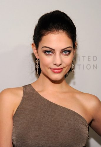 Julia Voth height and weight 2014