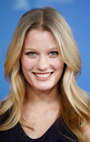 Ashley Hinshaw Bra Size, Wiki, Hot Images