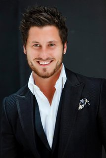 Val Chmerkovskiy Height, Weight, Age, Biceps Size, Body Stats