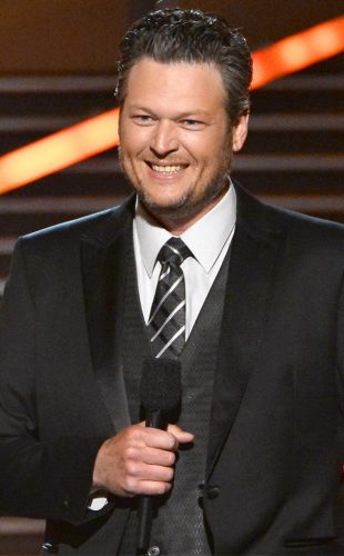 Blake Shelton Chest Biceps size