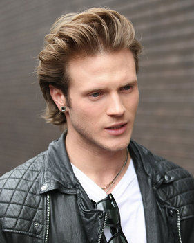 Dougie Poynter height and weight 2016