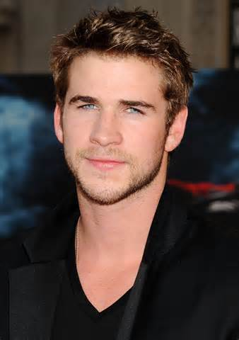 Liam Hemsworth height and weight 2016