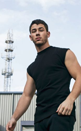 Nick Jonas height and weight 2016