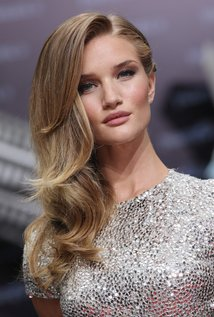 Rosie Huntington-Whiteley Bra Size, Wiki, Hot Images