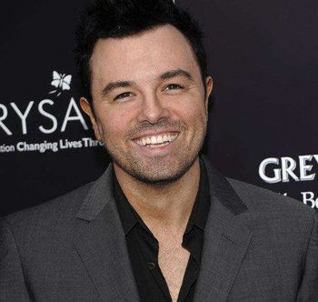 Seth Macfarlane Chest Biceps size