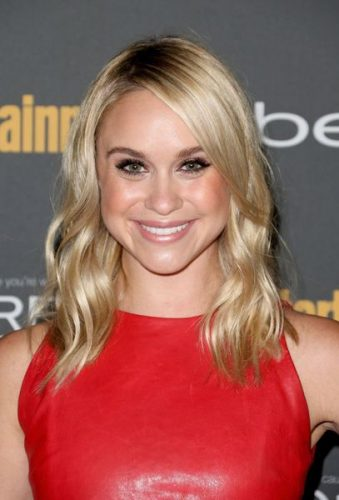 Becca Tobin Boyfriend, Age, Biography