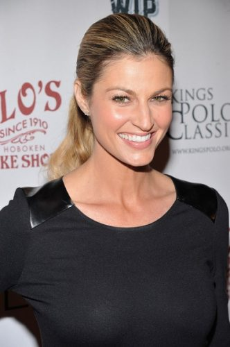 Erin Andrews height and weight 2016