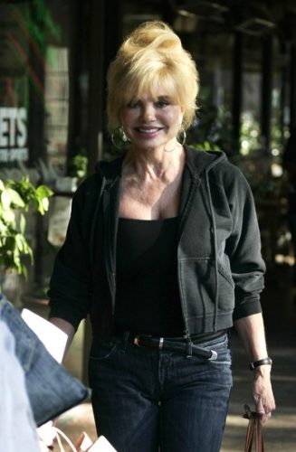 Loni Anderson Measurements, Height, Weight, Bra Size, Age, Wiki