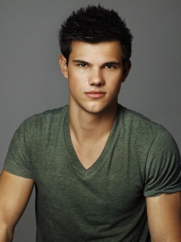 Taylor Lautner Height Weight Age Biceps Size Body Stats  Taylor Lautner
