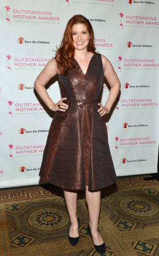 Debra Messing height and weight