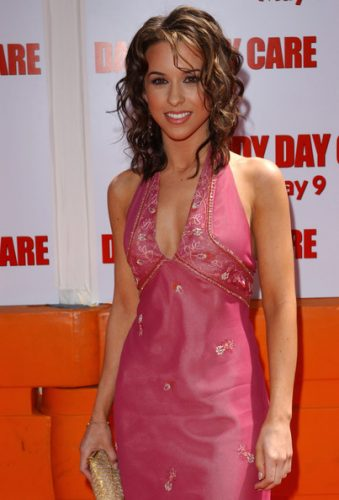 Lacey Chabert Measurements, Height, Weight, Bra Size, Age, Wiki