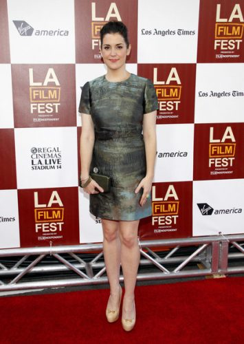 Melanie Lynskey height and weight