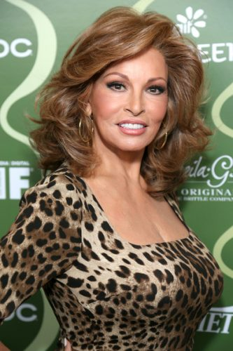 Raquel Welch Measurements, Height, Weight, Bra Size, Age, Wiki