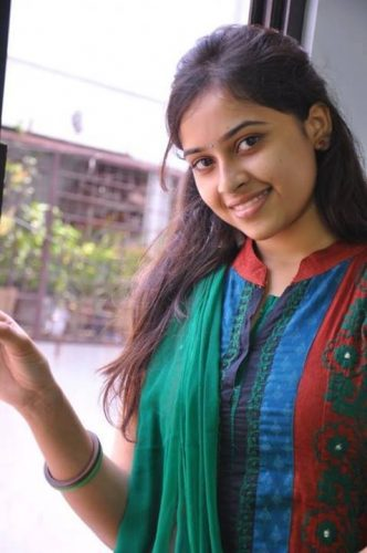 Sri Divya height and weight
