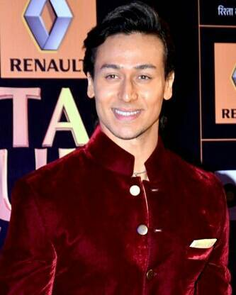 Tiger Shroff Chest Biceps size