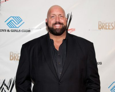 Big Show Chest Biceps size