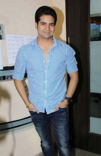 karan-mehra-height-weight-age-biceps-size-body-stats