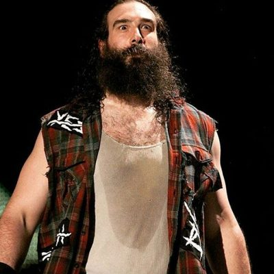 luke-harper-chest-biceps-size
