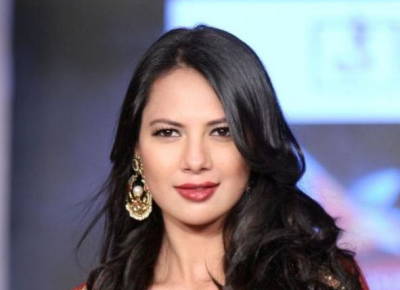 rochelle-rao-bra-size-wiki-hot-images
