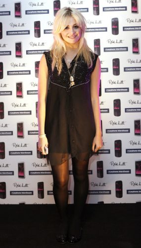 pixie-lott-measurements-height-weight-bra-size-age-wiki