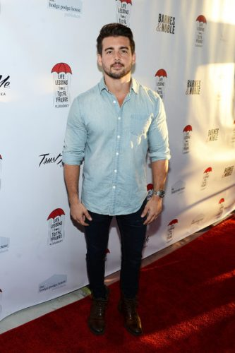 John DeLuca height and weight 2017
