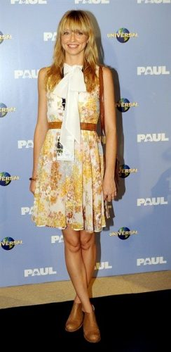 Zoe Tuckwell-Smith Boyfriend, Age, Biography