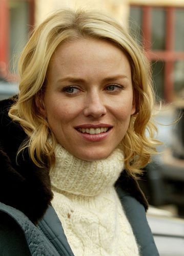 Naomi Watts height and weight 2017