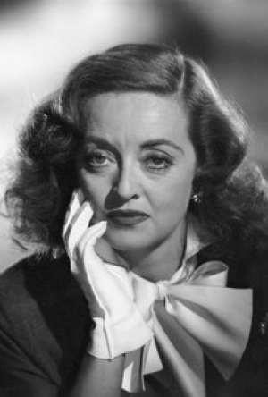 Bette Davis Bra Size, Wiki, Hot Images