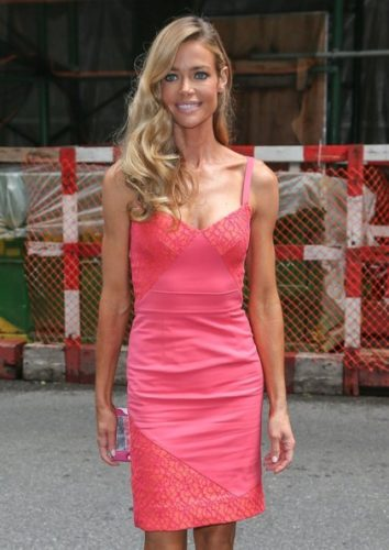 Denise Richards Bra Size, Wiki, Hot Images