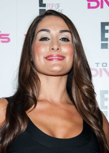 Nikki Bella height and weight 2017