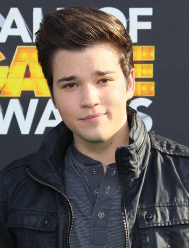 Nathan Kress height and weight 2017