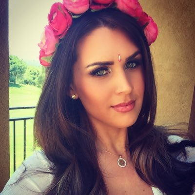 Sarah Mathers Measurements, Height, Weight, Bra Size, Age, Wiki