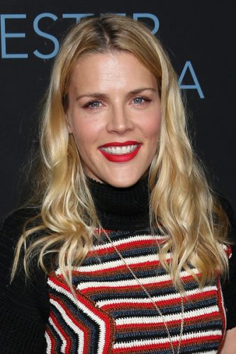 Busy Philipps height and weight