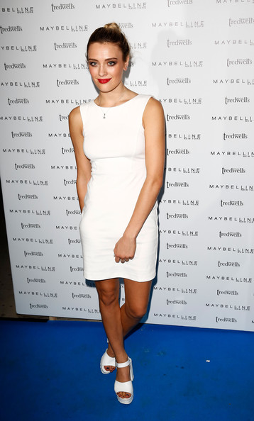 Wallis Day Body Measurements Height Weight Bra Size Age Affairs Wiki