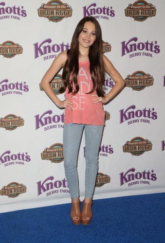 Kelli Berglund height and weight