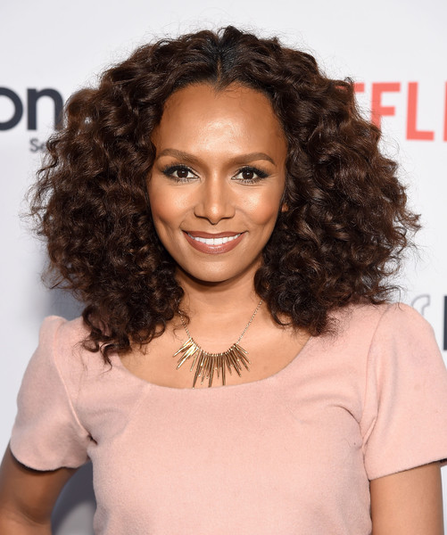 Janet Mock Measurements, Height, Weight, Bra Size, Age, Wiki