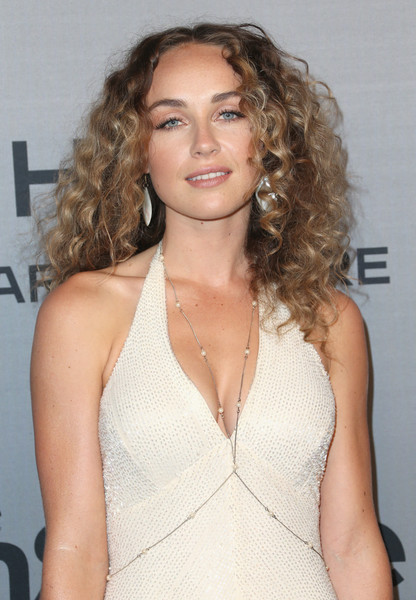 Zella Day height and weight